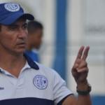 A um empate com gols da Série B, Betinho escreve história no Confiança